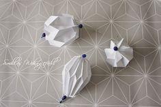 DIY: Origami/Plissee-Anhänger - Smillas Wohngefühl Origami Design, Diy Origami, Origami Paper, Magic Box, Diy And Crafts, Christmas Crafts, Decor, Diamonds, Kids