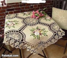 Diy Crafts - Blanket with Zig Zag Pattern Free Crochet Bedspread, Crochet Quilt, Crochet Cushions, Crochet Home, Crochet Motif, Crochet Doilies, Free Crochet, Crochet Patterns, Crochet Table Runner Pattern