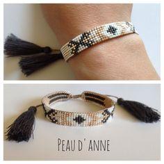 Petite+manchette+en+perles+fines+miyuki+:+Bracelet+par+peaud-anne Diy Bracelets Patterns, Bead Loom Bracelets, Beaded Bracelet Patterns, Bead Loom Patterns, Love Bracelets, Beaded Earrings, Seed Bead Jewelry, Bead Jewellery, Jewelry Crafts