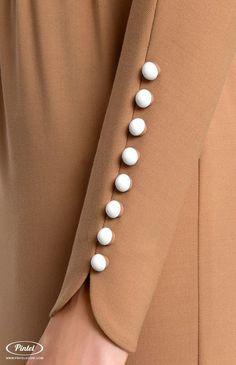 Bat sleeve genuine wool dress tucked by stretchy ribbon belt., Bat sleeve genuine wool dress tucked by stretchy ribbon belt. Bat sleeve genuine wool dress tucked by stretchy ribbon belt. Salwar Designs, Kurti Neck Designs, Sleeve Designs, Blouse Designs, Kurti Sleeves Design, Sleeves Designs For Dresses, Mode Abaya, Mode Hijab, Mode Boho