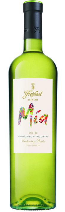 Freixenet Mia 2011 / Macabeo, Xarello, Parallada / Penedes, Sapin / 13-01-04 /      The wine is bright, straw yellow colour and has aroma that reminds of apples, pears and even banana. You can catch a slight smell of white flowers, orange blossom!    Taste is refreshing, fruity and light - with just a little hint of honey.    Mia white is perfect with   Machego cheese, salads, chicken   and even with blue cheese, pate or   terrines. It is good with all Asian   and spicy foods too.