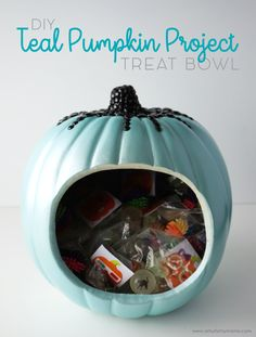 Make a glam Teal Pumpkin Project Treat Bowl filled with allergy-safe goodies to share on Halloween! Holidays Halloween, Spooky Halloween, Halloween Treats, Halloween Decorations, Halloween Party, Halloween Costumes, Holiday Parties, Holiday Fun, Teal Pumpkin Project