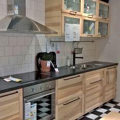 Ikea Galley Kitchen, Kitchen Black Counter, White Galley Kitchens, Galley Kitchen Design, Galley Kitchen Remodel, Rustic Kitchen Cabinets, Kitchen Interior, New Kitchen, Kitchen Decor