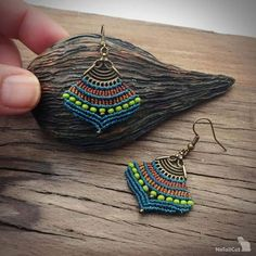 Macrame earrings handwoven with Linhasita 0,5 mm thread, teal color. Czech seed beads olivine color.