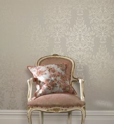 damask wall with French Provincial furniture. design-ideas-for-home Home Design, Home Interior Design, Damask Wallpaper, Room Wallpaper, Silver Wallpaper, Luxury Wallpaper, Cream And Gold Wallpaper, Gold Wallpaper Living Room, Paintable Wallpaper