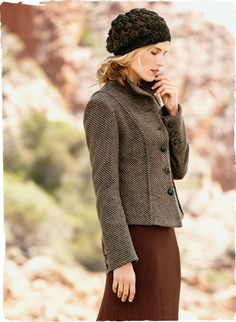 An Italian chevron tweed is tailored with dimensional princess seaming and a peplum hem for a shapely jacket silhouette. With braided leather buttons and vented sleeves. Virgin wool (50%), wool (35%) and nylon (15%). Full lining.
