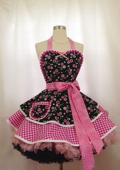 Retro Apron - Pink Dahlias Pin Up Diner Apron/ Ready To Ship, Hostess and Kitchen Aprons for Women Pink Gingham, Gingham Check, Pin Up, Bodice Top, Cute Aprons, Retro Apron, Sewing Aprons, Kitchen Aprons, Dahlia