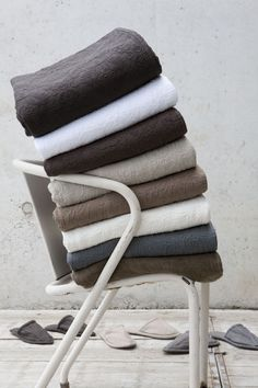 Vivaraise towels from Le Patio. Home Textile, Textiles, Bed, Towels, Fabric, Editorial, France, Courtyards, Linens