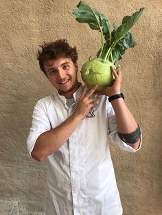 Eine Ladung frisches, knackiges Gemüse von unserem Lieferanten BIOsain JahBauer aus Wachtberg bei Gars am Kamp hat uns heute erreicht! Sprouts, Vegetables, Celebrations, Veggie Food, Brussels Sprouts, Vegetable Recipes, Veggies, Kale