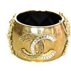 Chanel cuff bracelet       ᘡղbᘠ