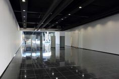 Black floor and ceiling with white walls - not bad!