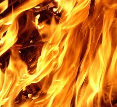 Vuur geeft warmte af door energie.