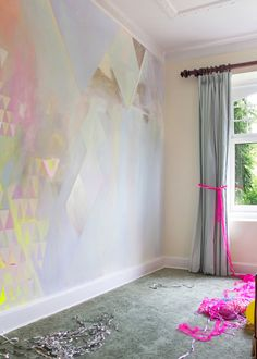Playfully styled party celebration with diamond abstract pastel mural and silver, hot pink streamers. Interior Design Living Room, Living Room Decor, Interior Decorating, Bedroom Decor, Wall Murals Bedroom, Bedroom Ideas, Warm Bedroom, Decorating Ideas, Design Bedroom