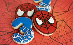 Spiderman for the boys Spiderman Cookies, Superhero Cookies, Spiderman Theme, Superhero Birthday Cake, 3rd Birthday Cakes, Birthday Cookies, Superhero Party, Spiderman Man, Birthday Ideas