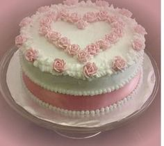Round white valentine cake with light pink cake decor, or little girls b'day or a sweet 16 (rose decorating cakes) Cake Decorating For Beginners, Cake Decorating Designs, Cake Decorating Techniques, Cake Designs, Decorating Ideas, Pretty Cakes, Beautiful Cakes, Cake Icing, Cupcake Cakes