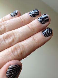 Zebra Glitter Nails tutorial - so cute! Repin & watch!