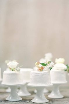 Tiny... but totally mouth-watering. 🤤 We have a ton of love for these small cakes created by @tenacioustart. After all, sometimes the smallest things take up the most room in our hearts! ♥️ | Photography: @amymulderphotography #stylemepretty #weddingcake #cake #cakeideas #weddingdessert #weddingfood