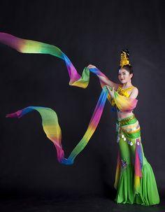 Femme long manches d'eau paillettes Chinois Classique de danse fille Thaïlande Dunhuang vol danse costumes Lune Fée vêtements dans Danse chinoise folklorique de Nouveauté et une utilisation particulière sur AliExpress.com   Alibaba Group