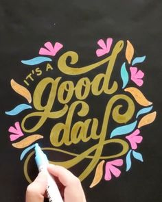 Lettering with Kassa Chalk Markers Uncategorized Chalk art restaurant Chalk Lettering, Hand Lettering Alphabet, Hand Lettering Quotes, Creative Lettering, Lettering Design, Blackboard Art, Chalkboard Drawings, Chalkboard Designs, Chalkboard Ideas