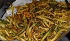 Τραγανά κολοκυθάκια πειρασμός σκέτος !!! ~ ΜΑΓΕΙΡΙΚΗ ΚΑΙ ΣΥΝΤΑΓΕΣ Greek Recipes, Street Food, Food And Drink, Vegetarian, Sweets, Beef, Vegan, Dishes, Chicken