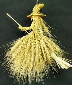 A corn witch. I have one of these hanging on my kitchen door.