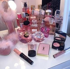Ideas for makeup collection storage girly Makeup Collection Storage, Makeup Storage, Makeup Organization, Perfume Organization, Diy Storage, Style Board, Expensive Taste, Perfume Collection, Makeup Goals
