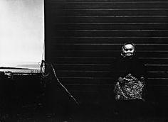 Eksperimentell romantiker | Kivijärvi | Nasjonalbiblioteket Photo Essay, Dark Backgrounds, Shades Of Black, Light In The Dark, Norway, The Darkest, Portrait Photography, Black And White, Inspire