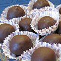 Rumos zserbógolyó   NOSALTY – receptek képekkel Mousse, Biscuits, Muffin, Goodies, Food And Drink, Sweets, Homemade, Dishes, Baking