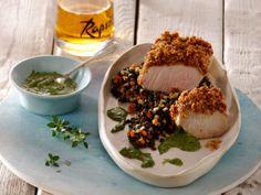 Spanferkelbraten auf schwarzem Linsengemüse mit Zitronenthymian-Pesto ist ein Rezept mit frischen Zutaten aus der Kategorie Kochen. Probieren Sie dieses und weitere Rezepte von EAT SMARTER!