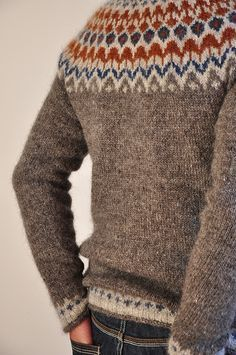 Ravelry is a community site, an organizational tool, and a yarn & pattern database for knitters and crocheters. Knitting Blogs, Knitting Yarn, Knitting Projects, Ravelry, Icelandic Sweaters, How To Purl Knit, Fair Isle Knitting, Pulls, Knitwear