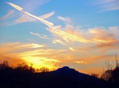http://www.thornemoore.co.uk/gallery/sunset.JPG
