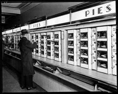 Berenice Abbott, Automat, 1936