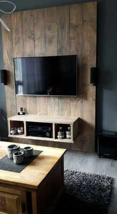 Pallett wall, wall mounted media console, rustic barn homes, tv stand unit, Home Design Decor, Diy Home Decor, House Design, Design Ideas, Living Room Tv Unit, Living Room Decor, Rustic Barn Homes, Tv Wall Decor, Tv Wall Design