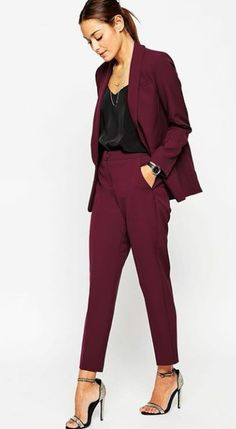 Discover women's skinny pants with ASOS. Shop our collection, from high waisted skinny and formal tailored pants to casual slim fit styles. Business Mode, Business Chic, Business Outfits, Business Attire, Business Suits For Women, Corporate Outfits, Business Formal, Mode Outfits, Office Outfits