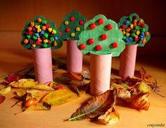 Prace plastyczne - Kolorowe kredki: Jesienny sad z rolek po papierze