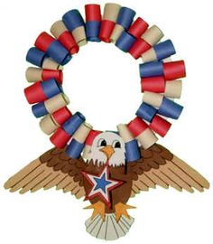 Bald Eagle Fourth of July Wreath Bird Crafts, Wreath Crafts, Paper Wreaths, Animal Crafts, All You Need Is, Eagle Craft, Fourth Of July Crafts For Kids, Bubble, Lunch Boxe