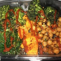 "87 Likes, 3 Comments - College Dorm Food (@collegedormfood) on Instagram: ""Quinoa, sautéed lime kale, garlic broccoli, sriracha sweet potatoes, and roasted chickpeas.…"""