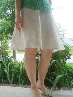 Bosso Nova Swirly Skirt - Free Pattern Sz. 6-26. Click bold text for download