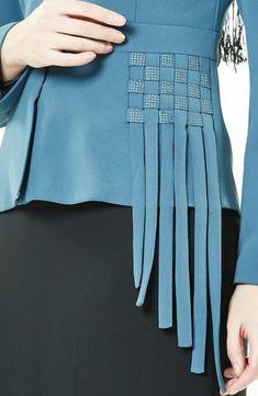 Kayra Takım-Petrol Siyah - Best Sewing Tips Blog Couture, Couture Details, Fashion Details, Fashion Design, Unique Fashion, Fashion Fashion, Sleeves Designs For Dresses, Sleeve Designs, Blouse Designs