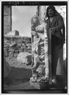 Bloc décoré de trois sphinx, d'un vase et d'une tête provenant du temple de Bêl, Palmyre, Syrie | 1910