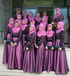 Muslim Brides, Muslim Dress, Pakistani Wedding Dresses, Wedding Hijab, Wedding Bouquet, Hijab Dress Party, Hijab Style Dress, Abaya Fashion, Muslim Fashion