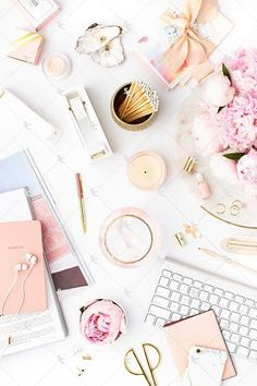 Styled Stock Photography Pretty in Pink Desk Collection Frases Instagram, Photo Instagram, Pink Desk, Girly, Flat Lay Photography, Blog Images, Blogger Tips, Belle Photo, Color Inspiration