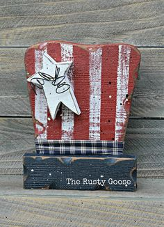 Americana Uncle Sam Hat Summer Decor USA of by therustygoose Americana Crafts, Patriotic Crafts, Country Crafts, Primitive Crafts, 4th July Crafts, Wood Craft Patterns, Blue Crafts, I Love America, 4th Of July Decorations