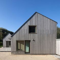 Image 7 of 30 from gallery of Country House Goedereede / Korteknie Stuhlmacher Architecten. Photograph by Luuk Kramer Residential Architecture, Architecture Design, Wooden Facade, Agricultural Buildings, Country Style House Plans, Farm Yard, House Roof, House In The Woods, Future House