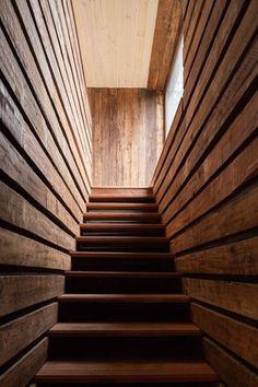 Maison chilienne façon cabanon et son bardage en bois brûlé   Construire Tendance