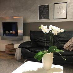 Pyhäinpäivän viettoa. Siivousta ja kynttilöiden valoa.  #koti #home #homesweethome #interiordesign #interior #inredning #sisustus #sisustusinspiraatio #myhome #instahome #pyhäinpäivä