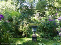 urne décorative au jardin retiré Bagnoles de l'Orne
