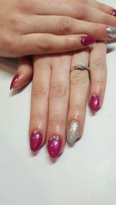 Cerise pink & sliver gel nails