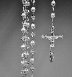 Lazo de boda lazo de cristal hermoso con el blanco perlas intrincado detalle e impresion