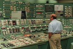 Pennsylvania's Three Mile Island nuclear disaster 35 years later Mission Control, Nuclear Disasters, Old Technology, Nuclear Power, Atomic Age, Retro Futurism, Pennsylvania, Island, Cool Stuff